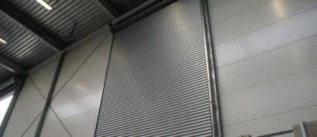 Rolluiken-en-Deuren-Specialist-roldeur-staal